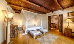 02-alfajiri-beach-master-bedroom