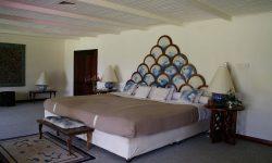 04-luxury-suite