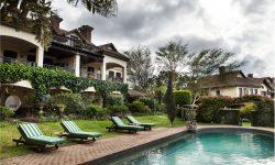 16-olivers-restaurant-lodge-lodge-pool