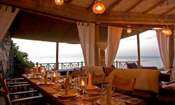 21-cliff-house-dinner-setting-17-05-11