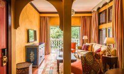 avani-victoria-falls-resort-avani-suite_livingdining