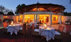 african_safari_zambia_sussiandchuma_dining
