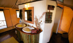 bathroom_katavi_wildlife_camp