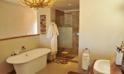 bathroom_victoria_falls_safari_club