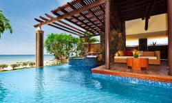 beach_front_suite_pool_balaclava
