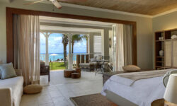 bedroom_sea_view_st-regis