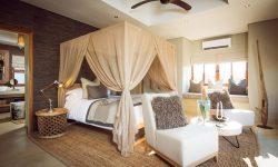 Bush Lodge - Luxury Villa Bedroom