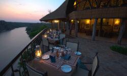 chilo-gorge-safari-lodge-dining-deck