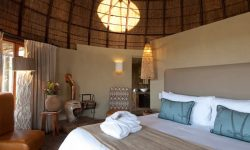 delux_bedrooms_kwena_lodge
