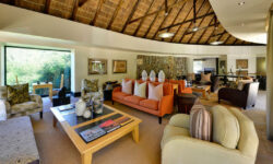 Eagles Crag upstairs Lounge, Shamwari Game Reseve