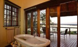 family-room-bath-and-verandah