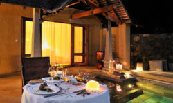 in_villa_dining_maradiva