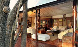 lounge-outside-view