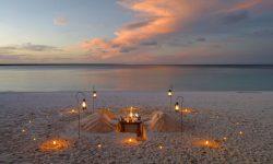 mnemba_island_beach_dinner