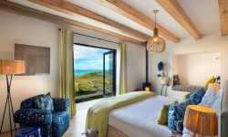 morukuru-ocean-house-bedroom-with-view