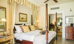 royal-livingstone_presidentialsuite_bedroom