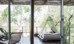 singita-sweni-lodge-outdoor-bed