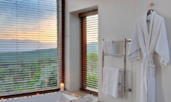 suite-bathroom_d335576