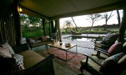 toms-little-hide-veranda