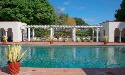 victoria_falls_hotel_swimmingpool
