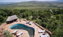 Kleins Camp Pool with stunning views of Serengeti