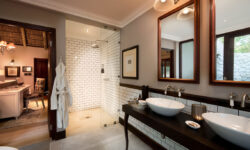 andbeyond-ngala-safari-lodge-family-cottage-bathroom1
