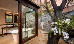 andbeyond-ngala-safari-lodge-family-cottage-bathroom2