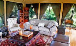 sand_river_lounge_interior