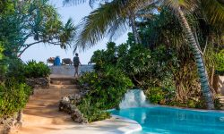 Matemwe-Lodge-pool-area-steps
