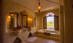 Matemwe-Retreat-bathroom