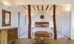 Old villas bed