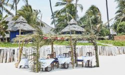 OUTDOORS_AT_THE_PALMS_IN_ZANZIBAR
