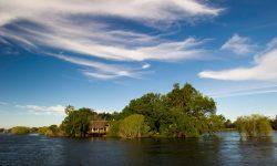 Sindabezi Island Camp14