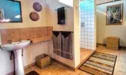 Bathrooms at Bomani Lodge